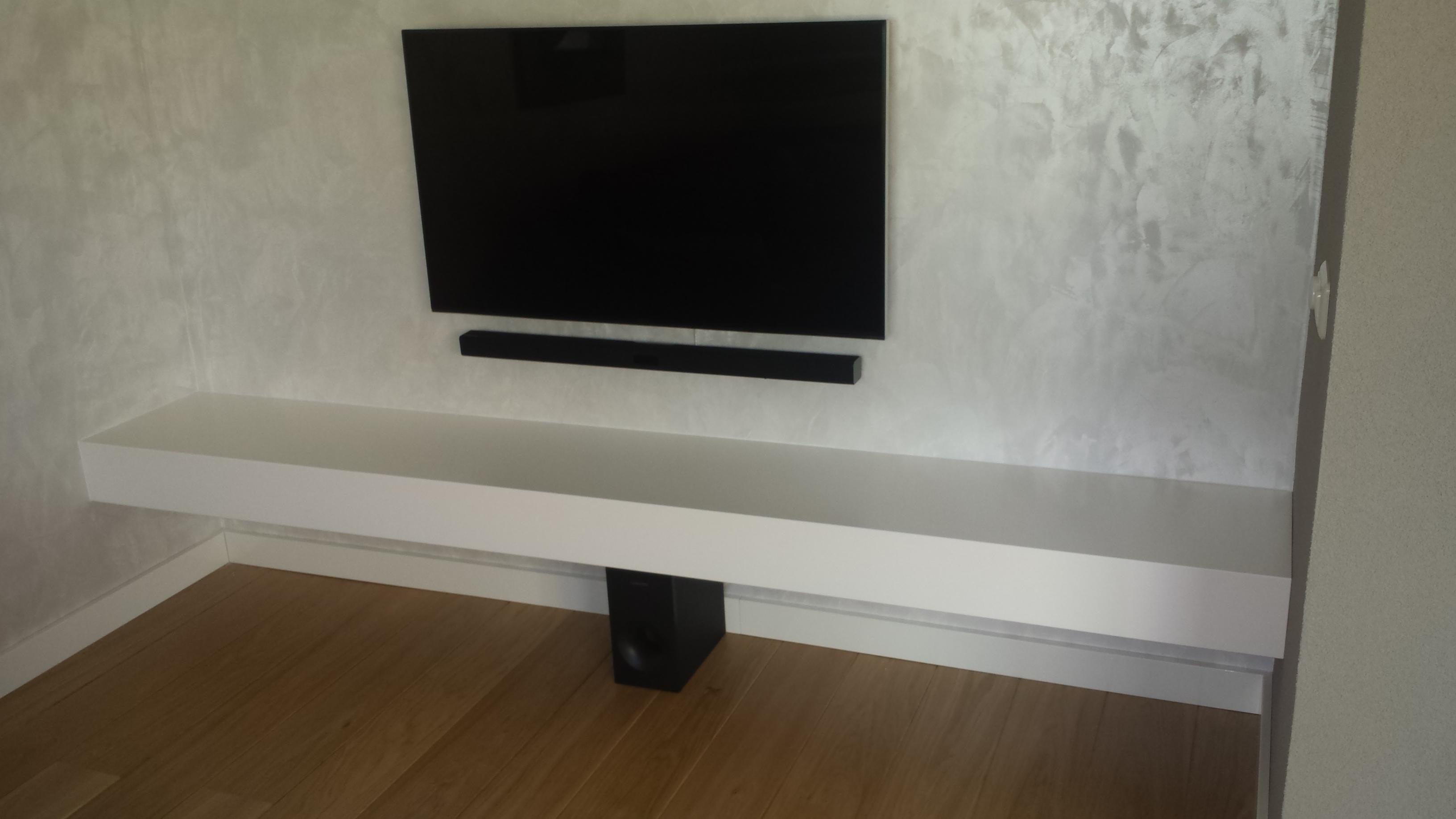 Kasten fw meubelmaker - Muur plank onder tv ...